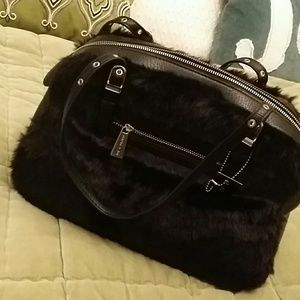 Handbags - Black fur handbag